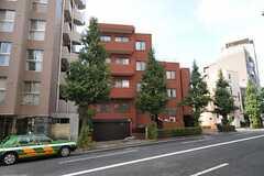 マンションの外観。シェアハウスは3階の1室にあります。(2013-09-05,共用部,OUTLOOK,1F)