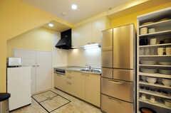 シェアハウスのキッチンの様子。(2010-08-27,共用部,KITCHEN,1F)