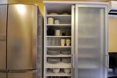 食器棚の様子。(2010-08-27,共用部,KITCHEN,1F)