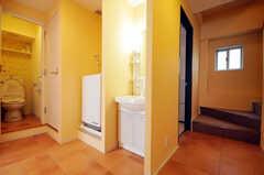 廊下に設置された洗面台の様子。(2010-08-27,周辺環境,ENTRANCE,2F)