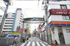 京王線幡ヶ谷駅周辺の様子。(2010-08-27,共用部,ENVIRONMENT,1F)