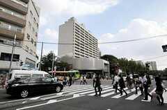 東京メトロ日比谷線・広尾駅前の様子。(2010-10-06,共用部,ENVIRONMENT,1F)