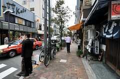 東京メトロ日比谷線・広尾駅前の様子2。(2010-10-06,共用部,ENVIRONMENT,1F)