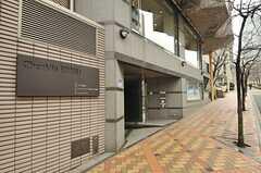 マンションの玄関周辺の様子。(2013-02-27,周辺環境,ENTRANCE,1F)