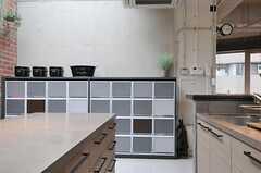 部屋ごとに分けられた食材などを置けるスペース。(2013-02-27,共用部,KITCHEN,7F)