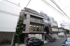 建物の外観の様子。4~5Fがシェアハウスです。(2013-05-30,共用部,OUTLOOK,1F)
