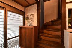 階段の様子。リビングは2Fにも用意されています。(2017-06-07,共用部,OTHER,1F)