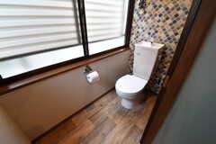 トイレの様子。ウォシュレット機能を付ける予定とのこと。(2017-06-07,共用部,TOILET,2F)