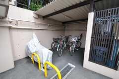 自転車置き場の様子。(2013-04-25,共用部,GARAGE,1F)