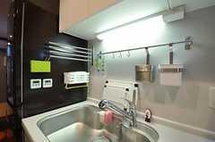 シンク周りにキッチン小物が集約されています。(2012-09-14,共用部,KITCHEN,1F)