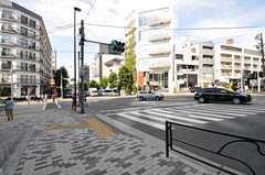 東京メトロ銀座線・外苑前駅からシェアハウスへ向かう道の様子。(2012-09-14,共用部,ENVIRONMENT,1F)