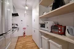 廊下にキッチンが設置されています。(2017-03-31,共用部,KITCHEN,)