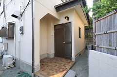 正面玄関の様子。(2013-08-14,周辺環境,ENTRANCE,1F)