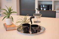 コーヒーセットが用意されています。(2021-04-07,共用部,LIVINGROOM,1F)