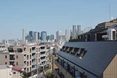 屋上からは新宿のビル群が望めます。(2021-04-07,共用部,OTHER,6F)