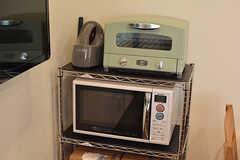 キッチン家電の様子。アラジンのトースターが設置されています。(2016-10-26,共用部,KITCHEN,2F)