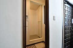 シャワールームの脱衣室。(2016-10-26,共用部,BATH,1F)