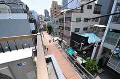 屋上から見た眺め。シェアハウスの周辺一帯は商店街。(2013-05-23,共用部,OTHER,4F)
