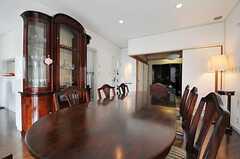 ダイニング・テーブルは天板のサイズを変えることができます。(2013-06-28,共用部,LIVINGROOM,2F)