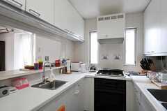 キッチンの様子2。(2013-06-28,共用部,KITCHEN,2F)
