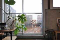 バルコニーにはウッドデッキも敷かれています。(2011-05-12,共用部,OTHER,4F)