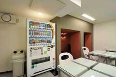 自動販売機の様子。(2011-04-01,共用部,OTHER,)