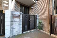 シェアハウスの門の様子。(2013-01-31,周辺環境,ENTRANCE,1F)