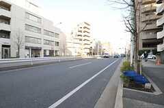各線・代々木上原駅からシェアハウスへ向かう道の様子。(2013-01-31,共用部,ENVIRONMENT,1F)
