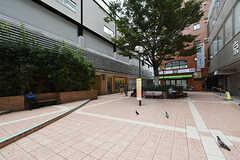 都営新宿線・笹塚駅前の様子。(2016-09-28,共用部,ENVIRONMENT,1F)