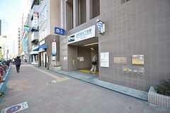 都営大江戸線・西新宿五丁目駅の様子。(2015-03-24,共用部,ENVIRONMENT,1F)