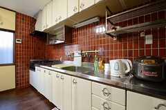 キッチンの様子。(2013-01-04,共用部,KITCHEN,1F)