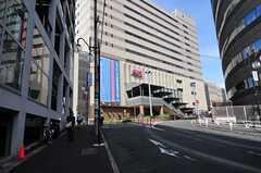 シェアハウスから各線・恵比寿駅へ向かう道の様子。(2012-08-29,共用部,ENVIRONMENT,1F)