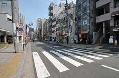 小田急線・代々木八幡駅前の様子。(2011-08-17,共用部,ENVIRONMENT,2F)