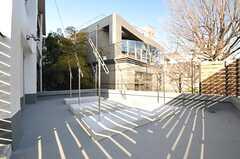 屋外の物干し場が用意されています。(2014-03-11,共用部,OTHER,3F)