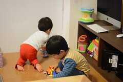 最初はそれぞれ遊んでいた子どもたち。(2014-11-01,共用部,PARTY,1F)