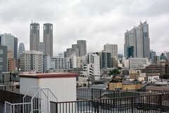 屋上からは新宿のビル群が見えます。(2020-10-08,共用部,OTHER,4F)