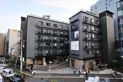 建物の外観。シェアハウスは3-6Fです。(2013-10-30,共用部,OUTLOOK,1F)