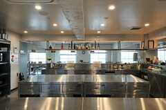 キッチンの様子5。厨房のような空間です。(2013-10-30,共用部,KITCHEN,6F)