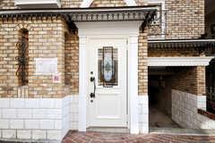 シェアハウスの正面玄関。(2009-12-08,周辺環境,ENTRANCE,1F)