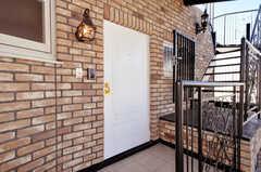 シェアハウスの玄関ドアの様子。(2009-12-08,周辺環境,ENTRANCE,4F)