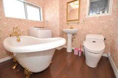 猫足バスタブのバスルーム。(2009-12-08,共用部,BATH,4F)