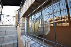 ステンドグラスもあります。(2009-12-08,共用部,OTHER,3F)