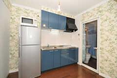 シェアハウスのキッチンの様子。(2009-12-08,共用部,KITCHEN,2F)