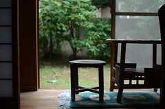 レトロなスツール。(102号室)(2011-09-27,専有部,ROOM,1F)