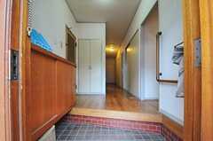 正面玄関から見た内部の様子。(2013-05-30,周辺環境,ENTRANCE,1F)