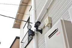 玄関周辺には防犯カメラが設置されています。(2017-08-30,共用部,OTHER,1F)