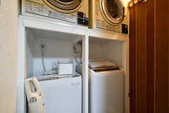 洗濯機の様子。無料で利用できます。(2021-03-24,共用部,LAUNDRY,1F)