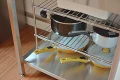調理器具はラックに収納されています。(2015-08-20,共用部,KITCHEN,2F)