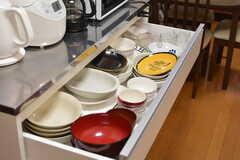 共用の食器は引き出しに収納されています。(2020-09-03,共用部,KITCHEN,2F)
