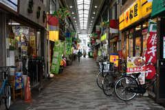西小山駅の商店街の様子。(2020-09-03,共用部,ENVIRONMENT,1F)